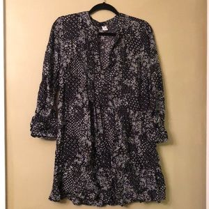 LIKE NEW Black and White patterned mini dress